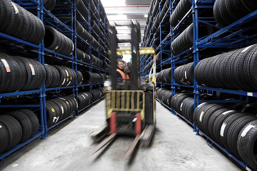 Fintyre acquista il deposito di pneumatici di Cinisello Balsamo